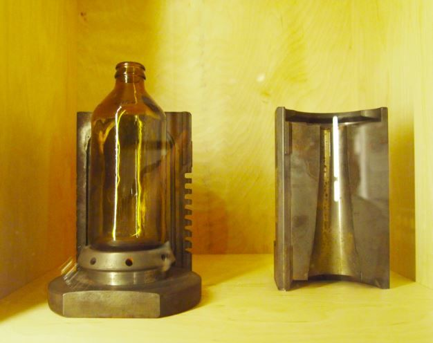 bottle mould.JPG