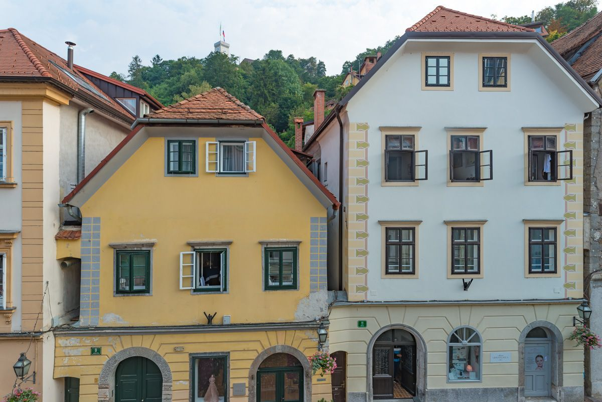 cheap one bed Ljubljana old town aparmtment for rent (18).jpg