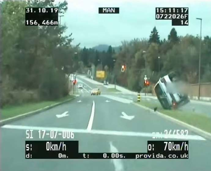 Police Chase in Ljubljana Ends in Crash (Video)