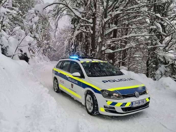 Traffic Disrupted by Snow in Slovenia