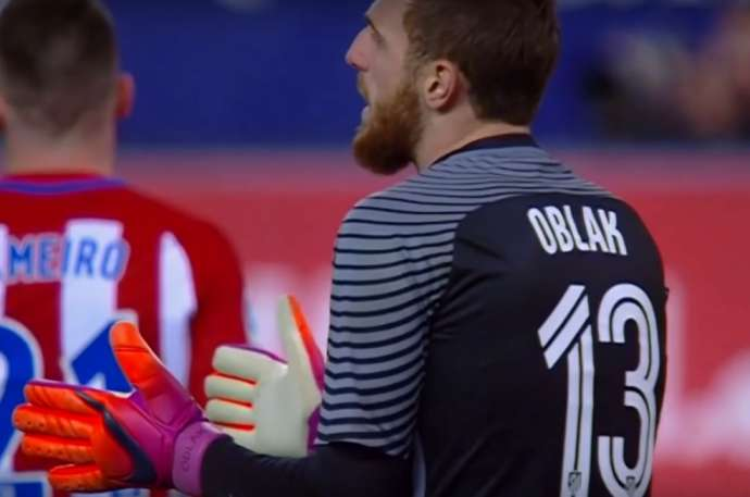 Jan Oblak in action