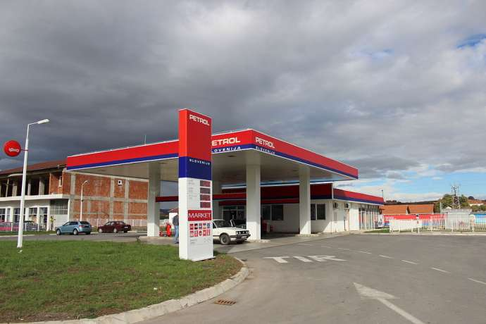 Slovenia's Petrol Signs Deal With Two Russian Energy Firms