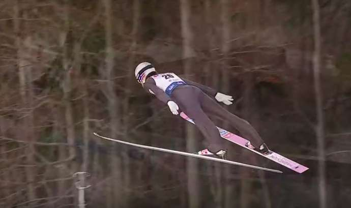 Norway's Daniel Andre Tande flies to first place