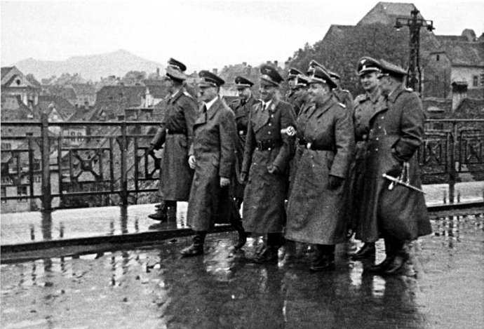 Hitler in Maribor, crossing the Drava