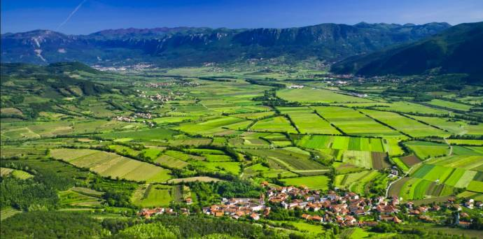 "Lonely Planet Puts Vipava Valley on Top 10 List, Dubs Area ""Hidden Gem"""