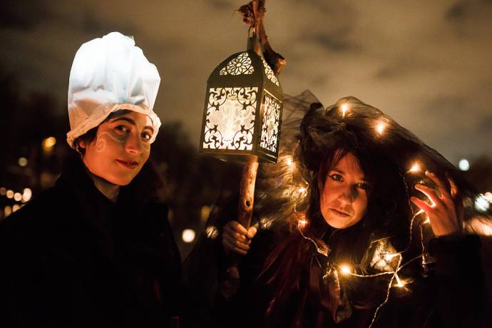 Ana Plamenita Opens Festive Ljubljana with Fire, Shadows & Music