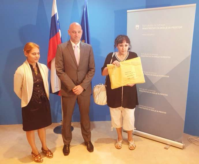 Minister Zajc receives the petition