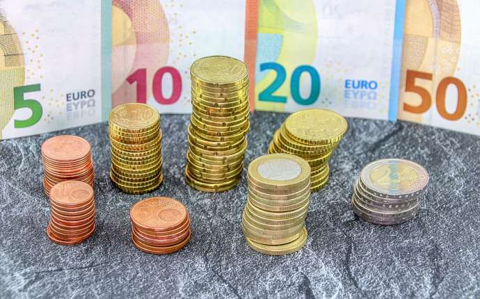 Slovenian Average Gross Earnings in May €1,892, Average Net €1,244