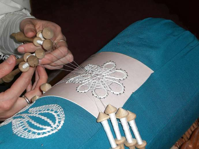 Bobbin Lace-Making Another Slovene Entry on UNESCO's Intangible Heritage List (Video)