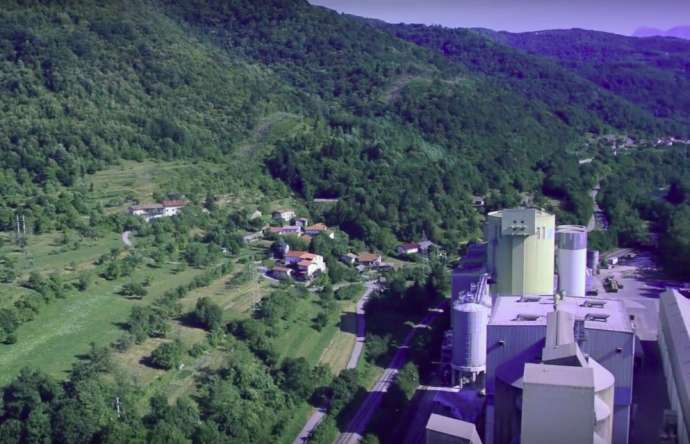 Warnings About Cement Factory Pollution in Anhovo